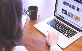 Website untuk membuat portofolio online