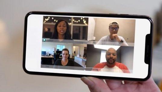 Aplikasi meeting online lewat smartphone