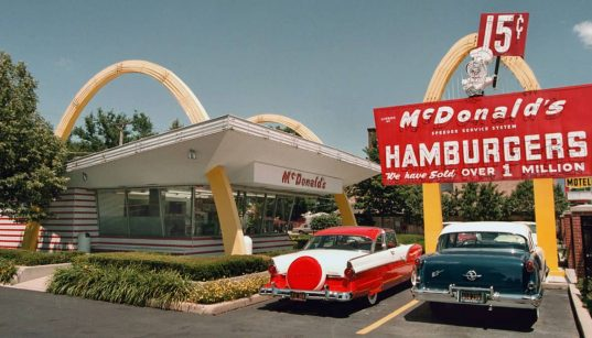 Kisah sukses pendiri McDonald's Ray Kroc