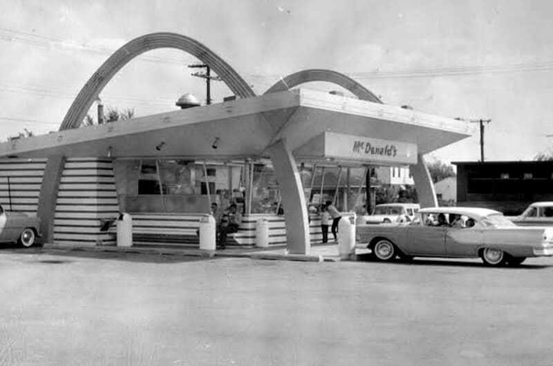 Tampilan McDonald's pertama Ray Kroc